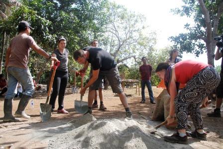 Bolak Balik Semen untuk Pembangunan Biogas Rumah